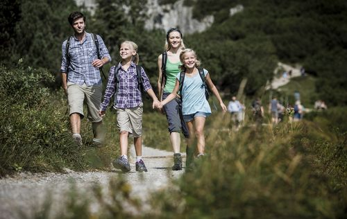 family hike around Benediktbeuern
